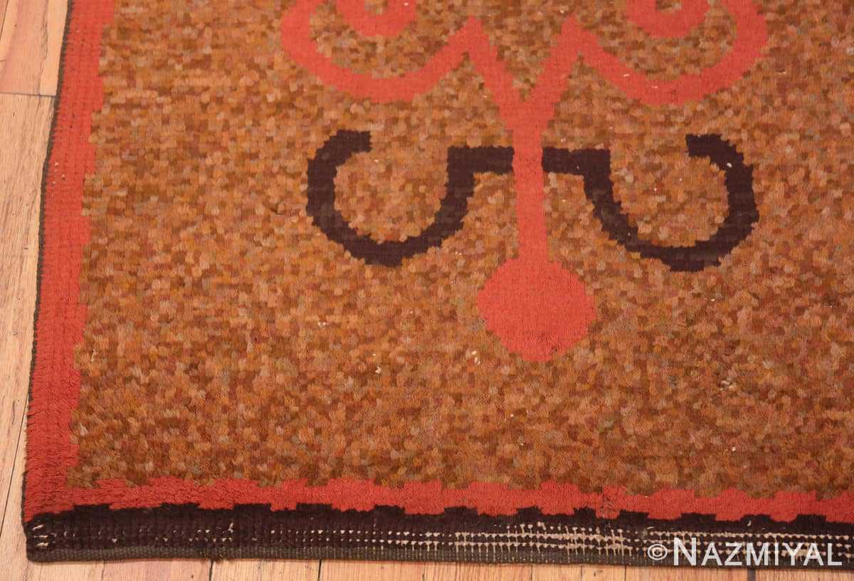 Corner Vintage small French Art Deco rug 42637 by Nazmiyal collection.