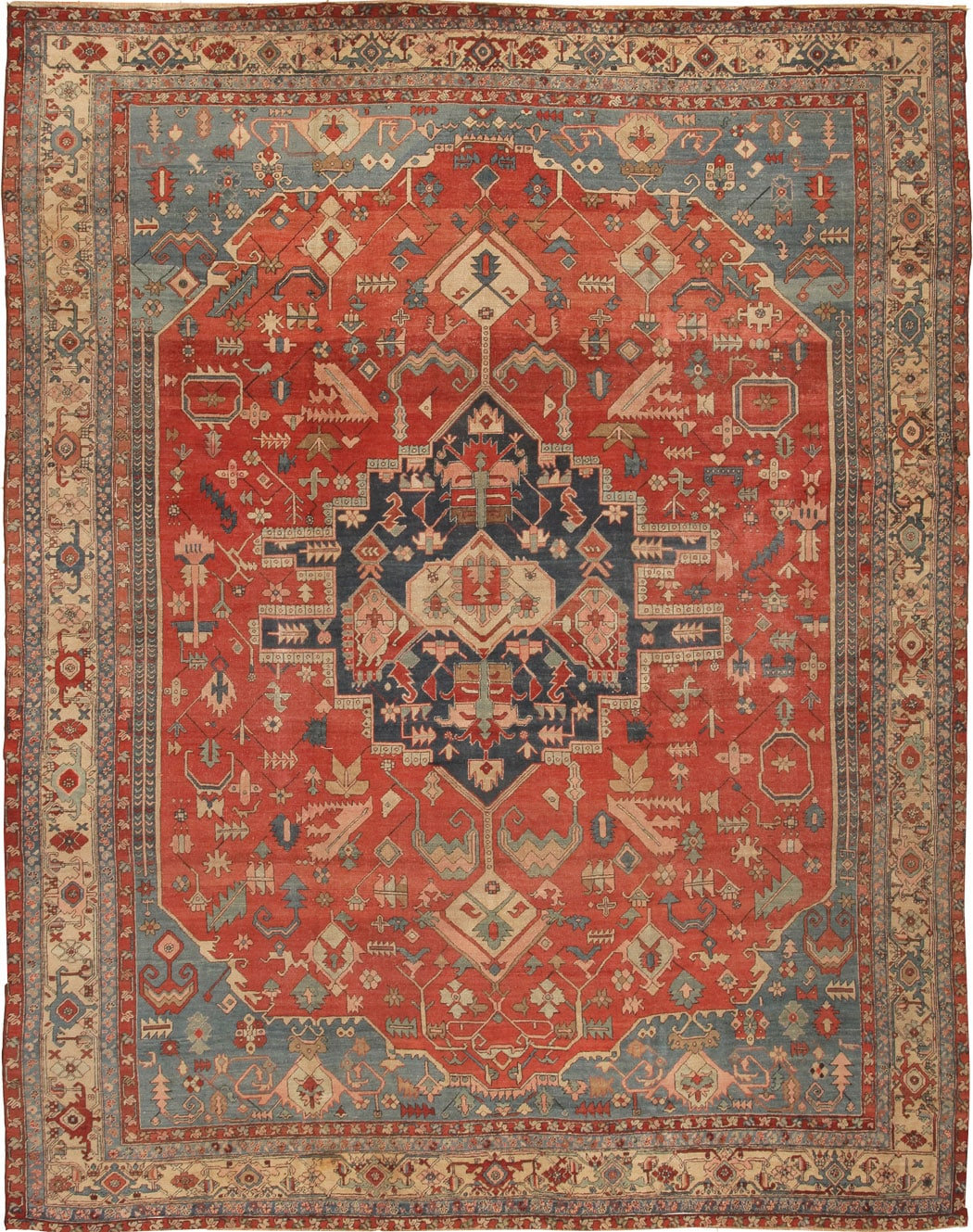 http://nazmiyalantiquerugs.com/wp-content/uploads/2011/03/43441-Antique-Heriz-Persian-Rug.jpg