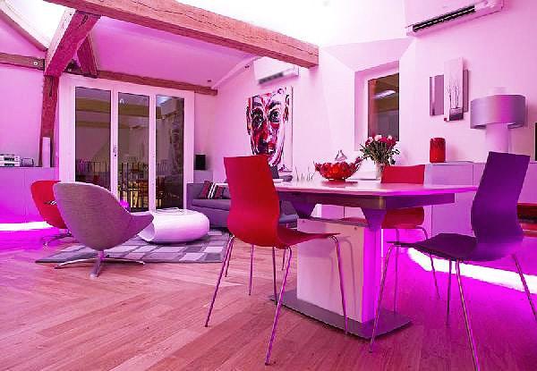 Colorful Magenta Living Room Interior Design - Nazmiyal