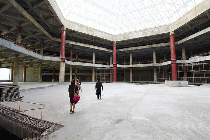 Ryugyong Hotel Interior by Nazmiyal