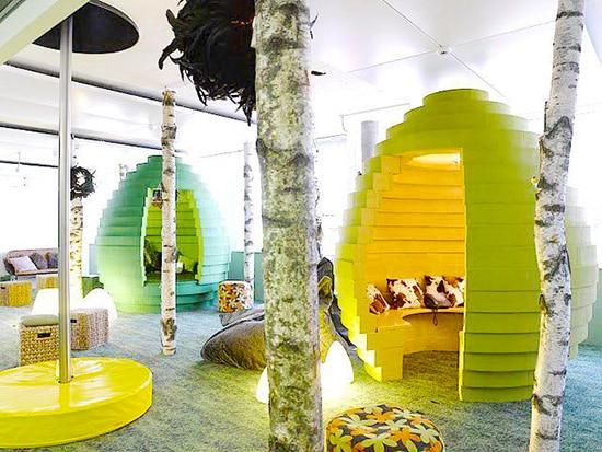 Creative Modern Office Interior Design by Nazmiyal
