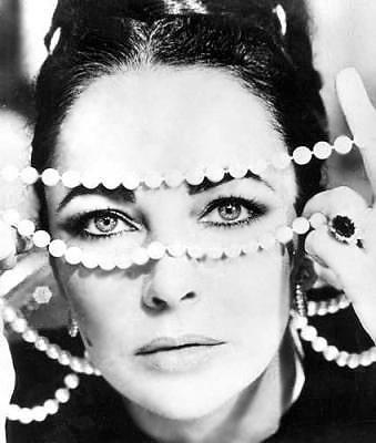 Elizabeth Taylor With Jeweled Necklace Nazmiyal