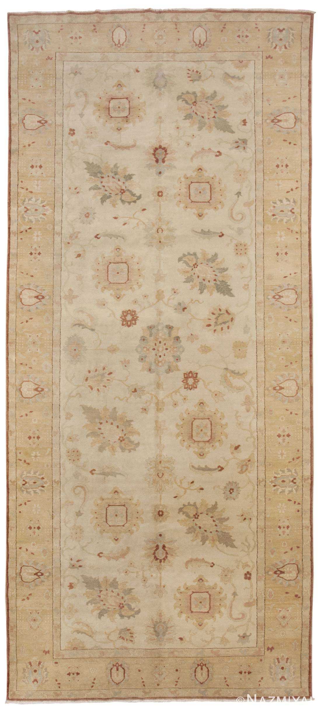 Sultanabad Rug 44684 Detail/Large View