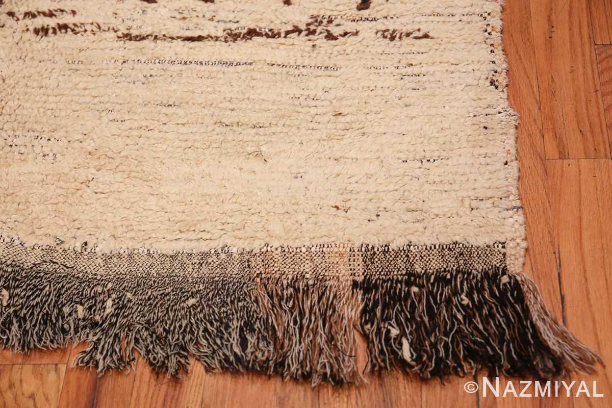 Corner Small Vintage Moroccan rug 45418 by Nazmiyal