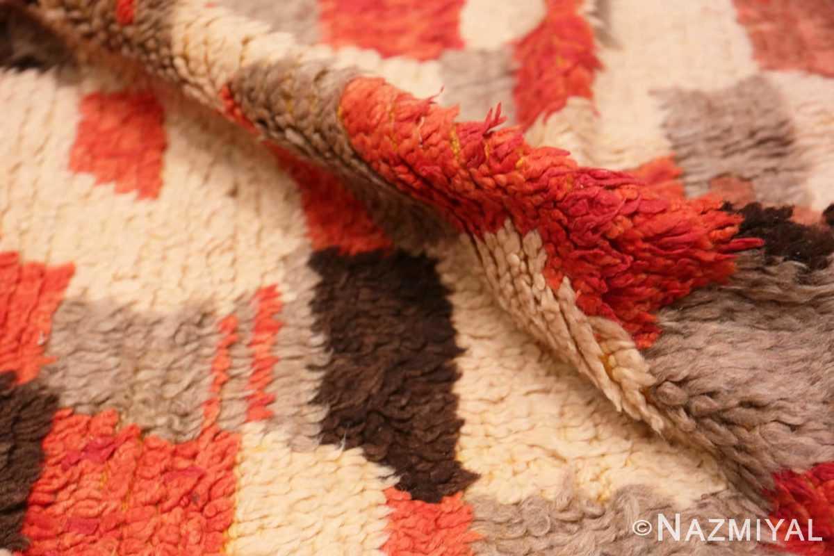 Pile Vintage mid century Morocan rug 45350 by Nazmiyal