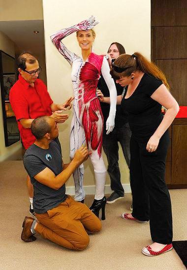 Celebrity Heidi Klum Dressed Up In A Skeleton Halloween Costume - Nazmiyal
