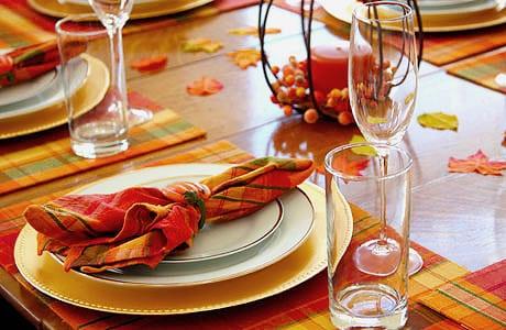Classic Fall Table Setting - Nazmiyal
