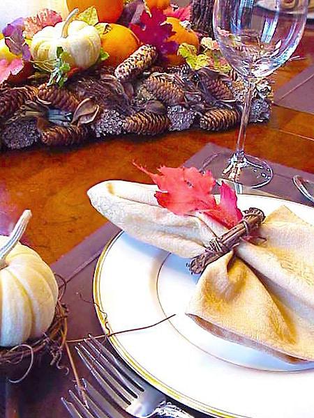 Elegant Fall Table Setting - Nazmiyal