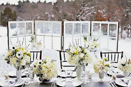Snowy Winter Wonderland Table Setting - Nazmiyal