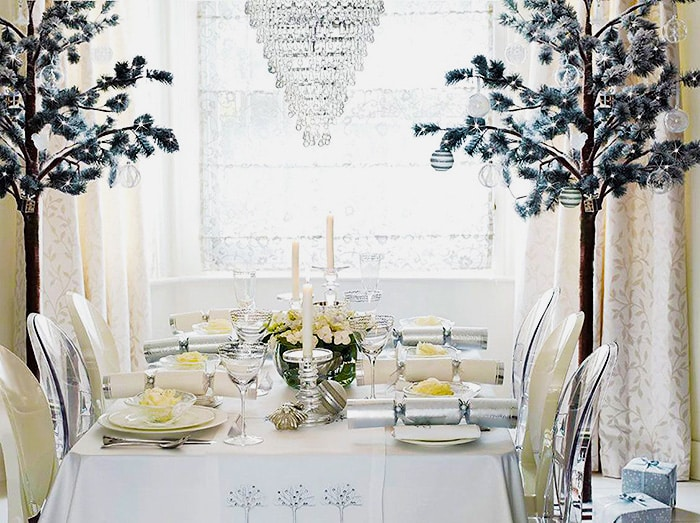 Winter Wonderland Table Setting - Nazmiyal