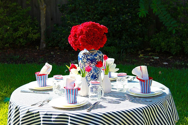 Outdoor Superbowl Table Setting - Nazmiyal