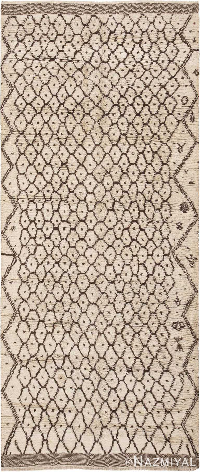Beni Ourain Vintage Moroccan Rug #46021 by Nazmiyal Antique Rugs