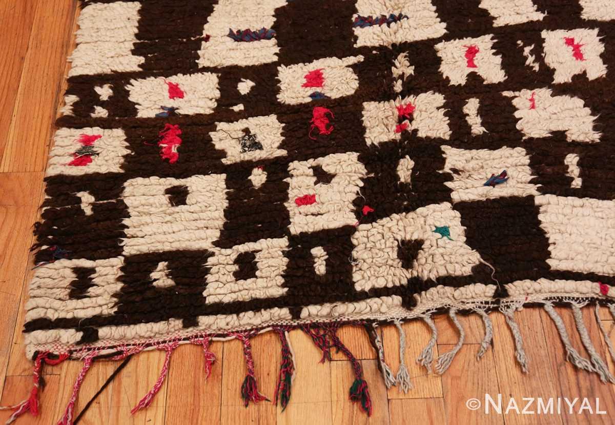 Corner Mid century Modern Vintage Moroccan rug 46050 by Nazmiyal