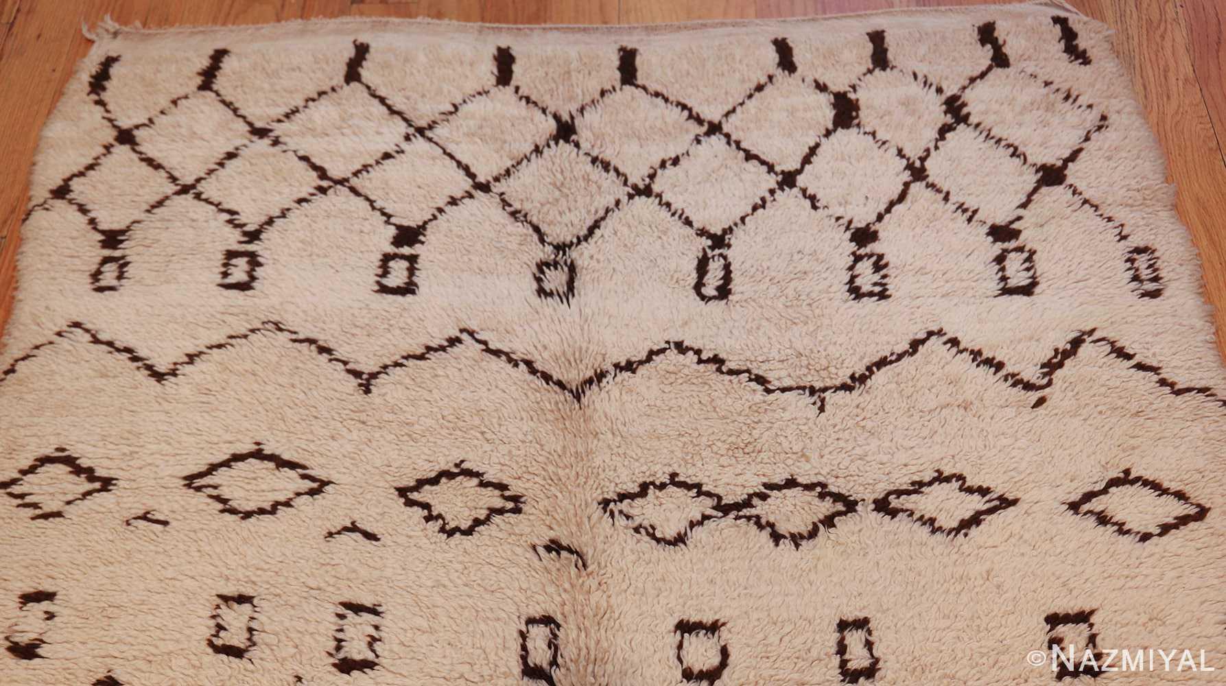 vintage moroccan rug 46011 top Nazmiyal