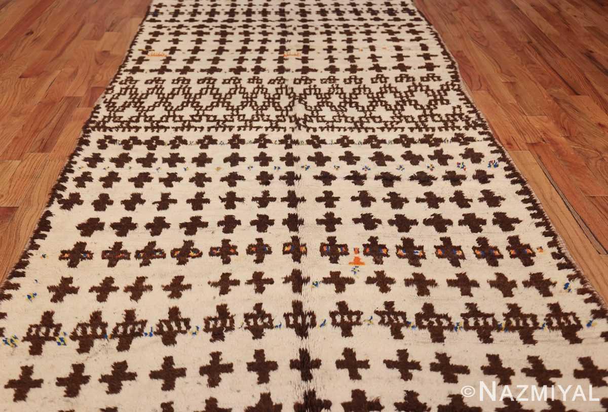 vintage moroccan rug 46434 field Nazmiyal
