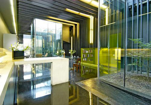 Modern Minimalist Interior Decor by Nazmiyal