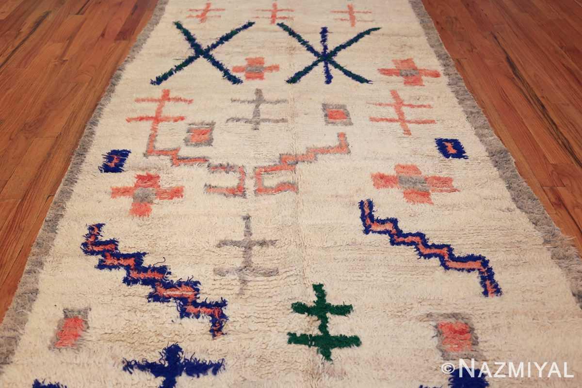 vintage moroccan rug 47098 field Nazmiyal