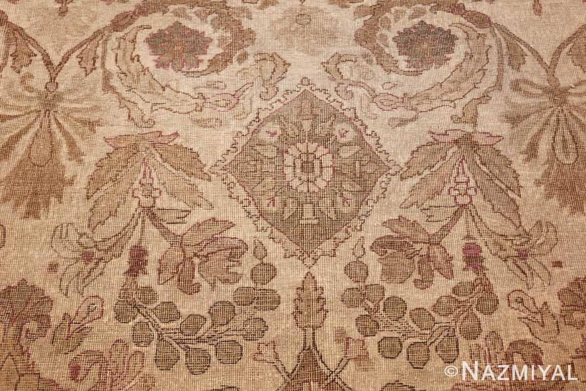 ivory background antique indian amritsar rug 47438 green Nazmiyal
