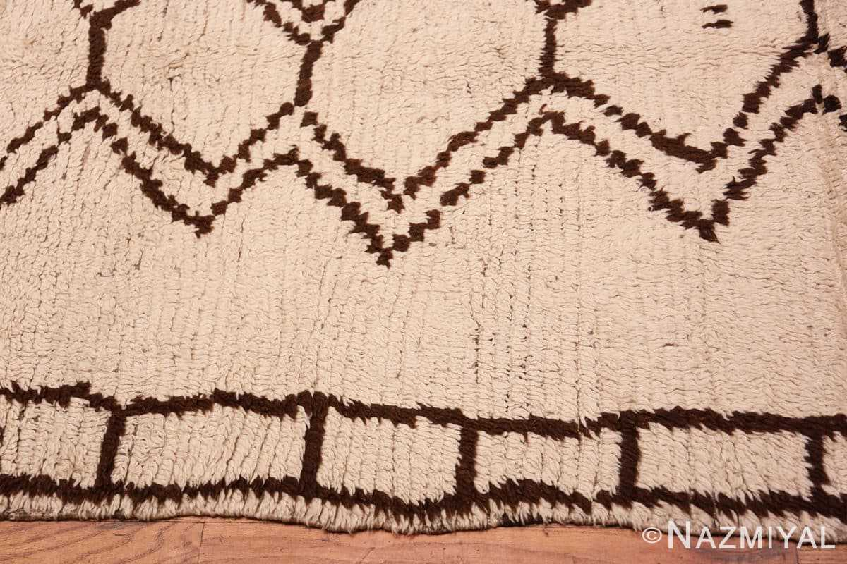 Border Vintage Moroccan Beni Ourain Berber rug 47780 by Nazmiyal