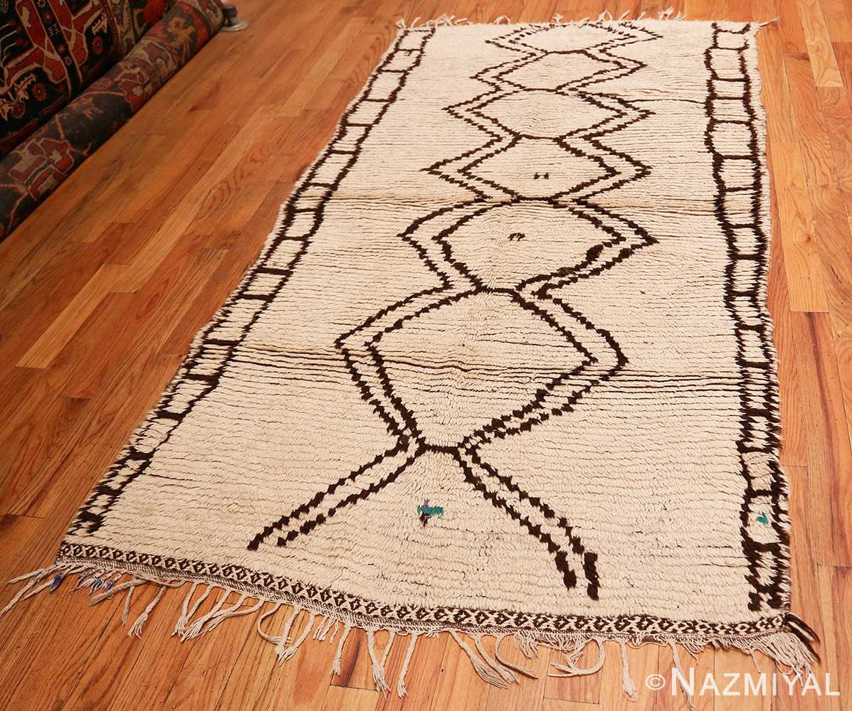 Full Vintage Moroccan Beni Ourain Berber rug 47780 by Nazmiyal