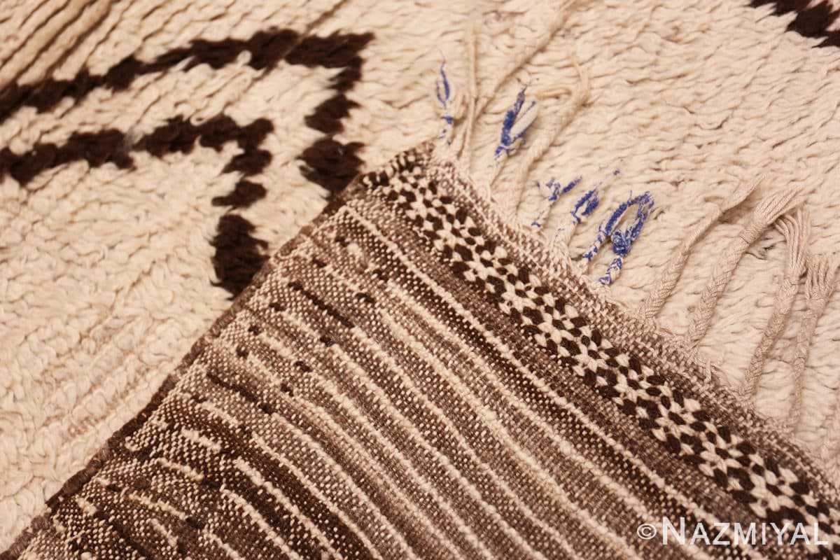 Weave Vintage Moroccan Beni Ourain Berber rug 47780 by Nazmiyal