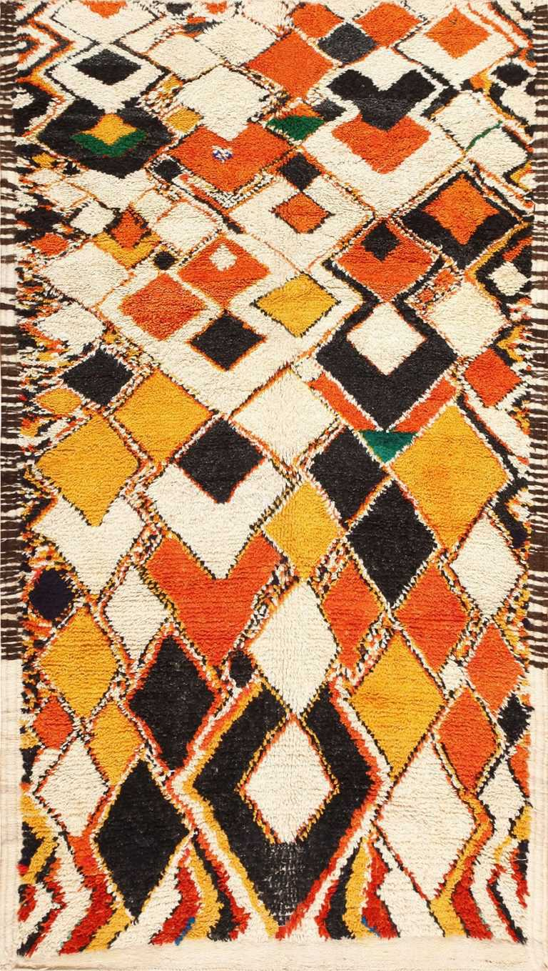 Colorful and Primitive Vintage Moroccan Rug 47936 Detail/Large View