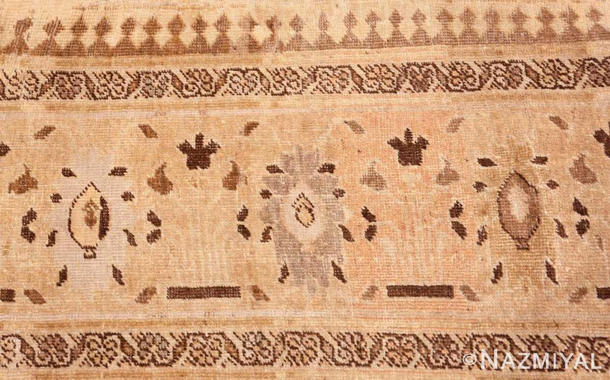 Border detail Antique Persian Sultanabad rug 47464 by Nazmiyal