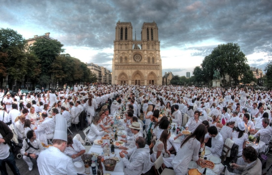le diner blanc by Nazmiyal