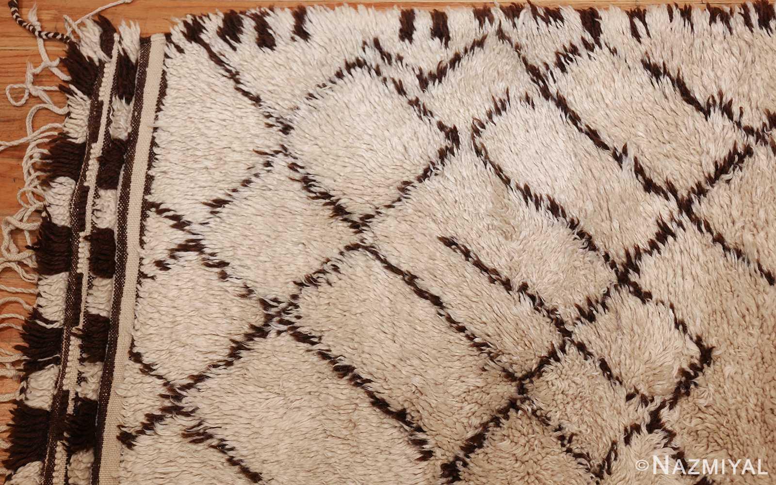 vintage moroccan rug 48390 corner Nazmiyal