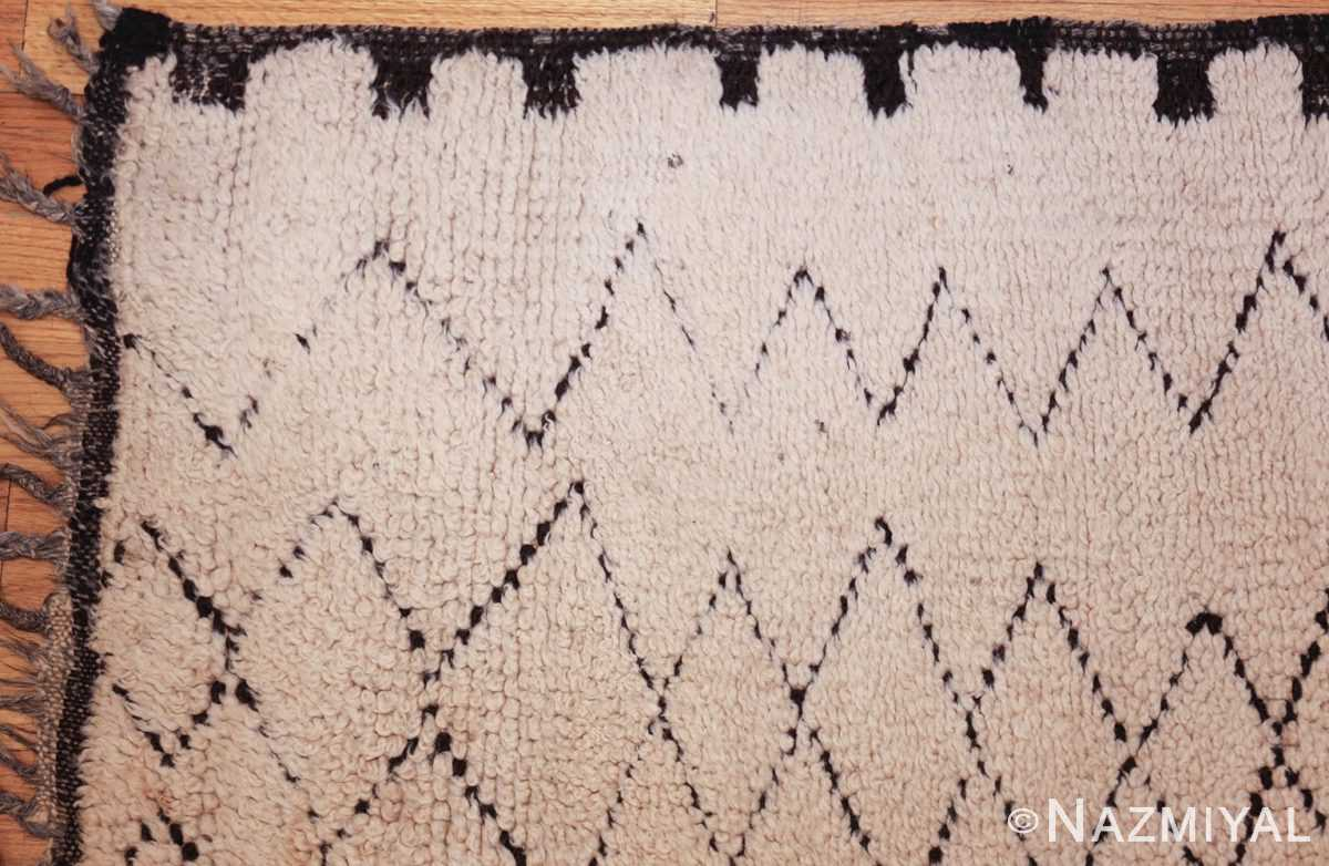 vintage moroccan rug 48401 corner Nazmiyal