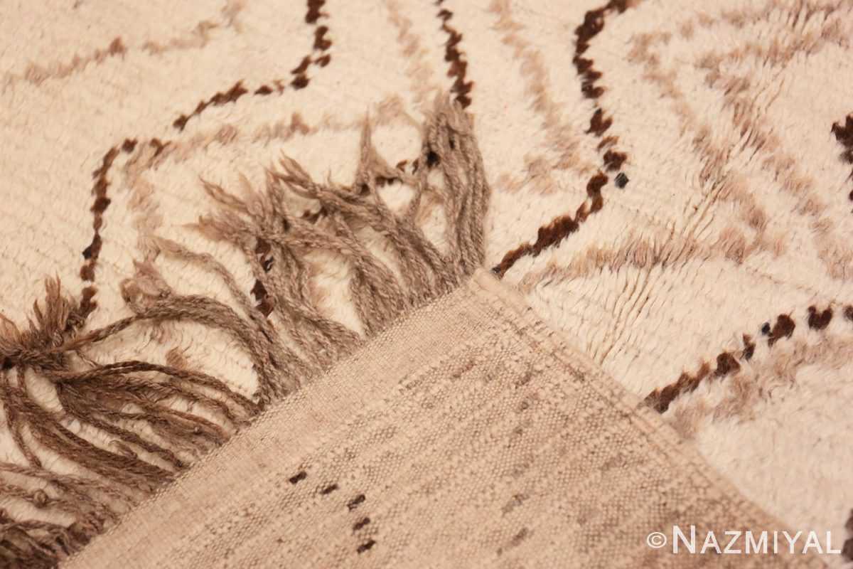 Weave Tribal Mid Century Vintage Moroccan rug 48395 by Nazmiyal