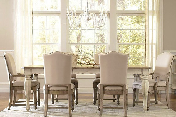 Neutral Hamptons Style Dining Room Interior Design by nazmiyal