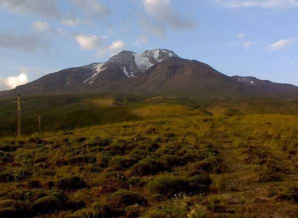 Photo of Mount Sabalan, near Heriz. Nazmiyal Collection