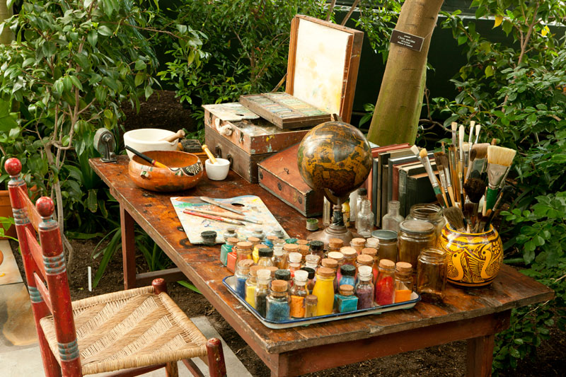A recreation of Kahlo's studio in the Botanical Gardens exhibition. Nazmiyal