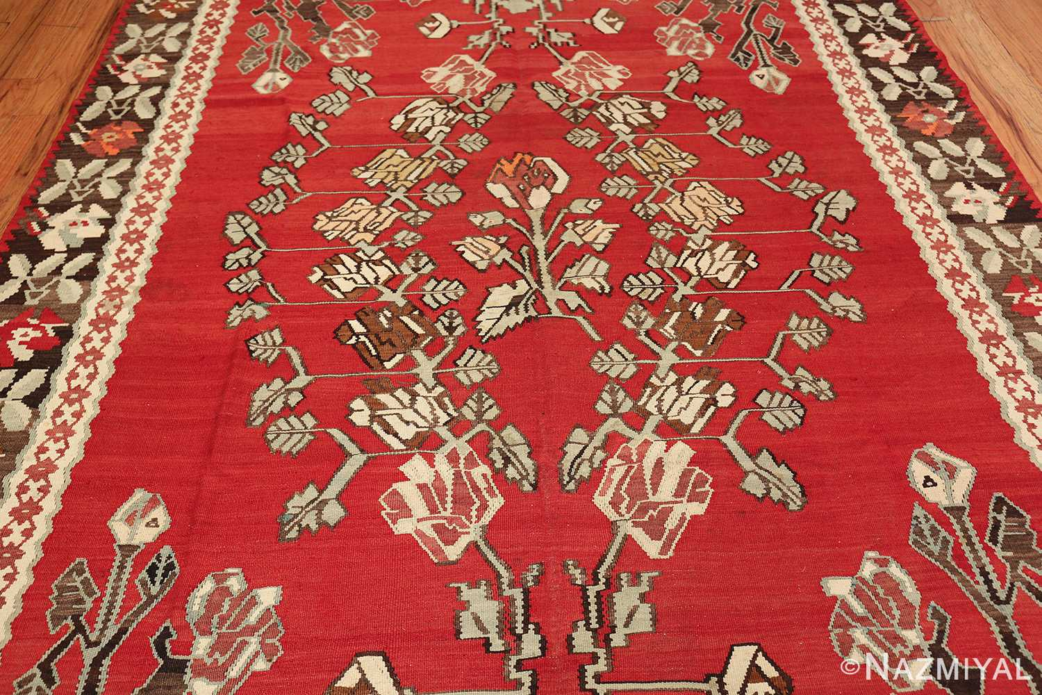 vintage floral turkish kilim rug 50678 middle Nazmiyal