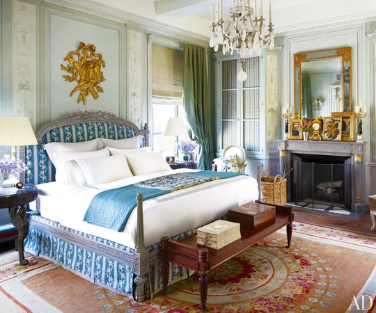 Bed Room Interior Design by Michael Smith Nazmiyal