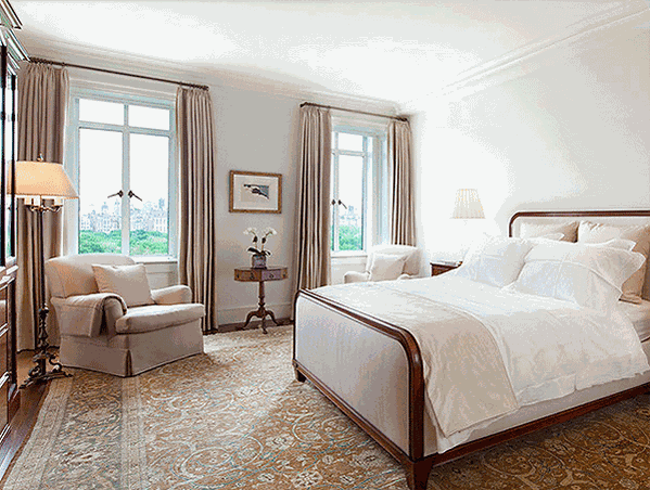Antique rug in a bedroom, Interior Designer Spotlight, Heather Moore, Nazmiyal