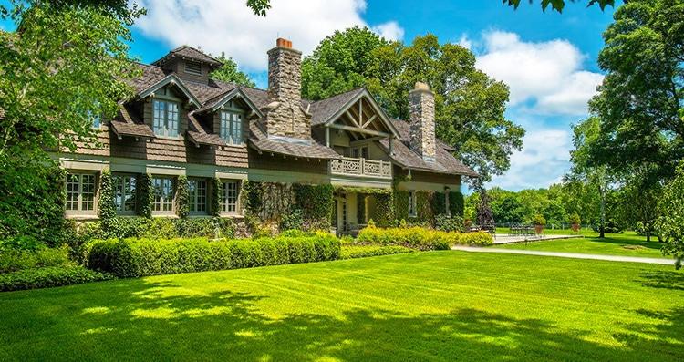 Beautiful Greenwich Connecticut Estate Nazmiyal