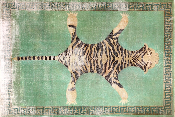 Antique Shabby Chic Tiger Design Indian Rug by nazmiyal