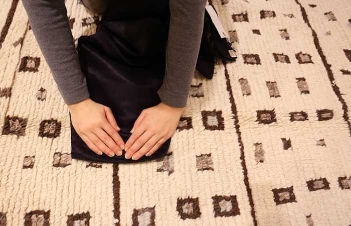 Keep Your Rug Clean By Using A Cloth by Using a Cloth to Blot Up As Much of the Liquid / Stain as Possible by Nazmiyal
