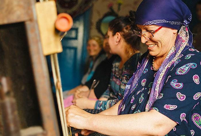 Women Weaving Rugs Nazmiyal
