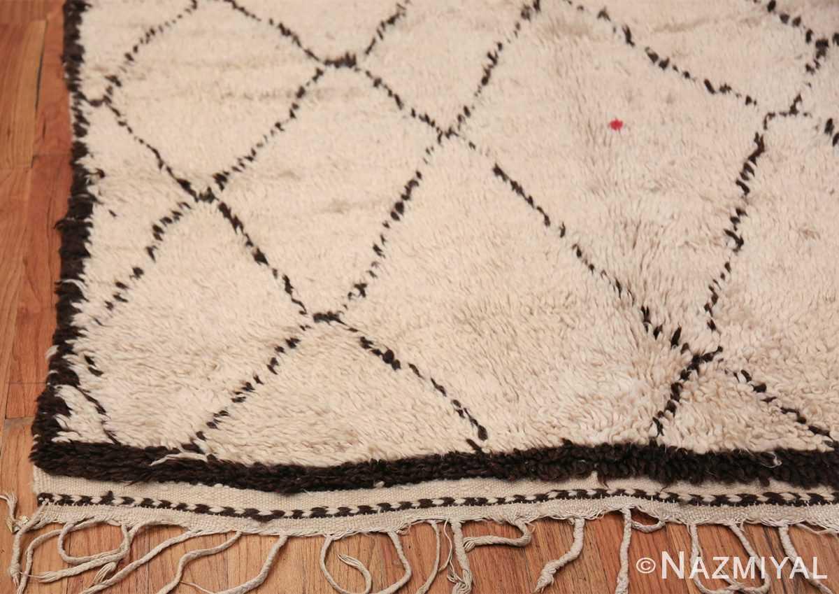 Vintage Ivory Background Moroccan Rug 49888 Side Corner Nazmiyal
