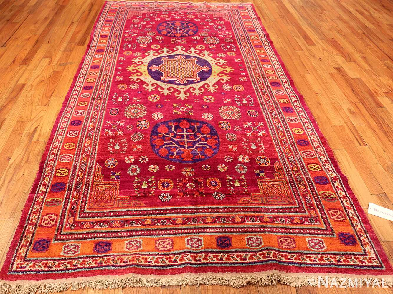 Pomegranate Khotan Rug 49982 Nazmiyal