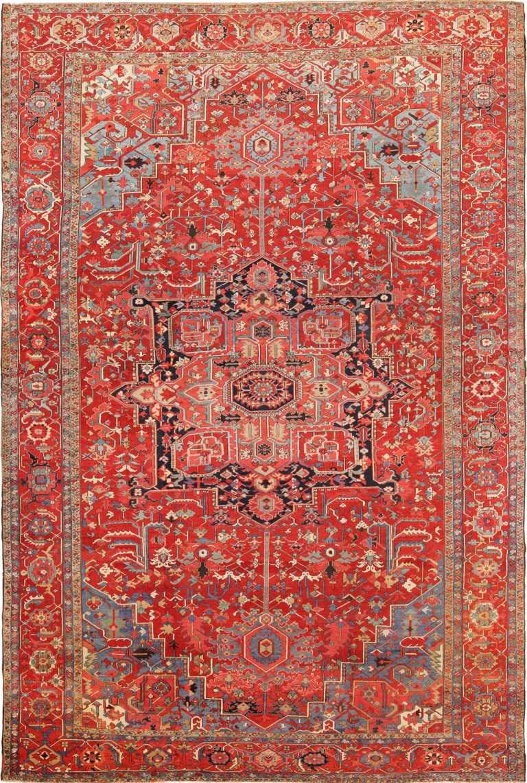 Full view Antique Persian Heriz Serapi rug 70153 by Nazmiyal