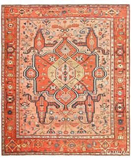 سجاد Heriz Serapi الفارسي العتيقة من قبل Nazmiyal Antique Rugs